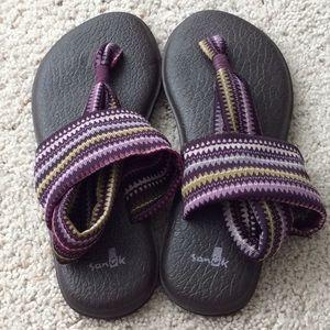 Sanuk Sandals. Size 8.